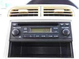 CDチューナー付きです。オーディオやナビゲーションの取り付けに関しては、スタッフまで、お気軽にお声がけください。