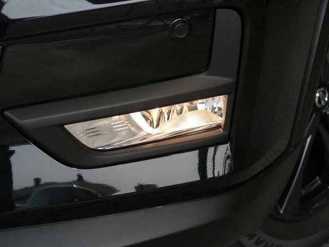 【ハロゲンフォグランプ】霧や雨が濃いときでも対向車にわかりやすいフォグランプです!!