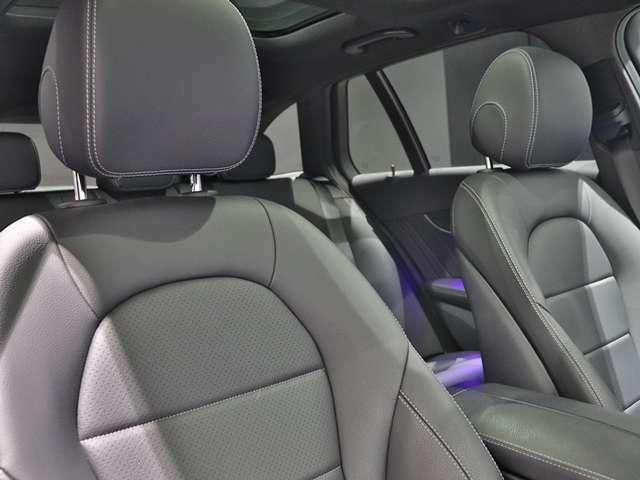 ARTICO レザーとは、合成皮革の事ですが、ひと昔前のイメージの合成皮革とは訳が違う合成皮革です。その耐久性の高さは熱や湿気、日光による紫外線にもさらされる自動車のインテリアにおいて最適の素材です!