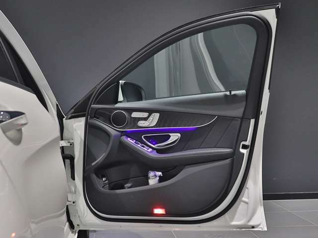 【メルセデスミーコネクトでデジタルカーライフ】車がインターネットと出会うことで、便利や安心さがさらに広がるメルセデス・ミー・コネクト。車との新しい関係を体感できます!