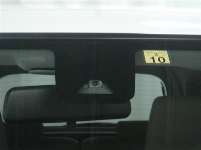 スマートアシストレーザーセンサーで前の車との距離を見てくれます安心♪