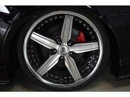 ●新品フルタップ式車高調 お好みの車高にミリ単位で調節が可能 もちろん車検にも対応しております●人気のトラフィックスターSTR19インチ●新品タイヤ4本●カラーキャリパー