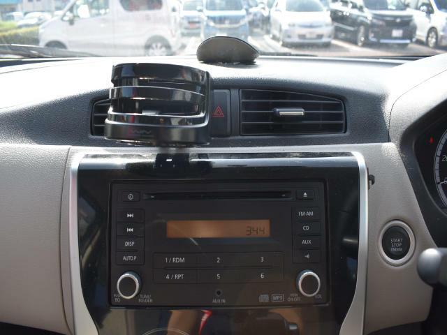 純正CDプレイヤー付いています!ナビゲーションやドライブレコーダー、ETC等の付属品の追加も可能です!ぜひ、ご相談ください☆