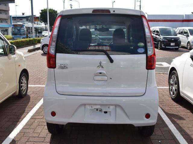 今の軽自動車は、とても広い!普通車と比べて維持費もお得で、家計に優しいですよ!