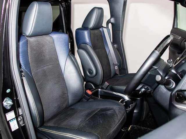 ゴールデンアイズ専用ハーフレザーシートを全席採用!高級感のある雰囲気・座り心地を体感して下さい。