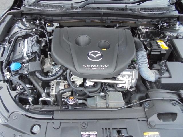 余裕ある走りと、実用燃費の向上を目指したクリーンディーゼルエンジンSKYACTIV-Dを搭載をしています!