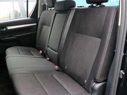 後席も、おまけではなくしっかり座れるシートを備えております。