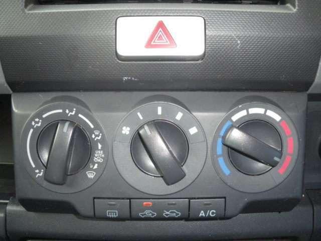 室内快適エアコン車!
