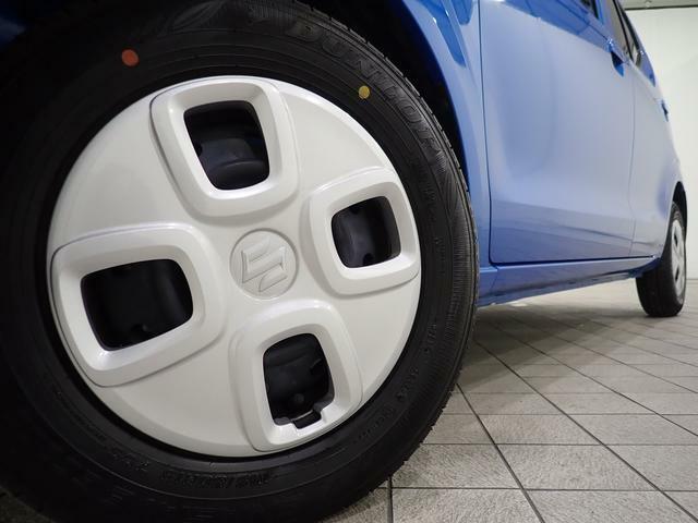 13インチフルホイールキャップ。タイヤの溝もまだまだ残っていますよ。