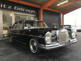 古さの中に当時の実用的な高級車が伺えます!