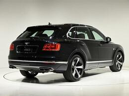 全長5150×全幅 1995×全高1755(mm)、車両重量2480kgになります。