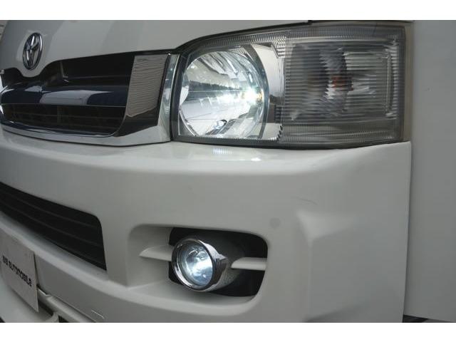 LEDヘッドライトも明るく視認性良く夜間走行時も安心です☆