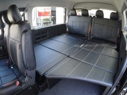 ベットキット装備で車中泊も快適です♪