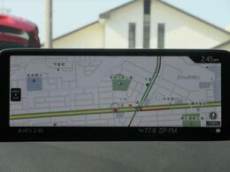 マツダコネクトの10.25インチワイドセンターディスプレイです。『Android Auto』『Apple CarPlay』や独自のコネクテッドサービスに対応したインターフェイスシステムです。