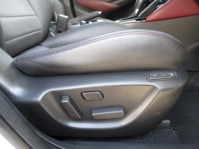 運転席10Wayパワーシートを装備!