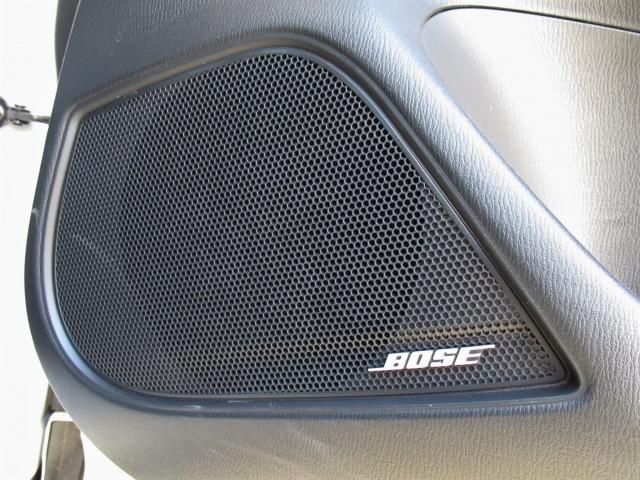 BOSE社共同開発、専用チューニングの施されたスピーカーで臨場感あふれるサウンドをお楽しみください。