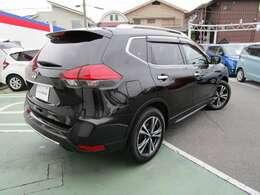 このお車の支払い総額は安心の保証1年、車検2年、車検整備費、諸経費(車庫証明を含む)込みのお値段です♪