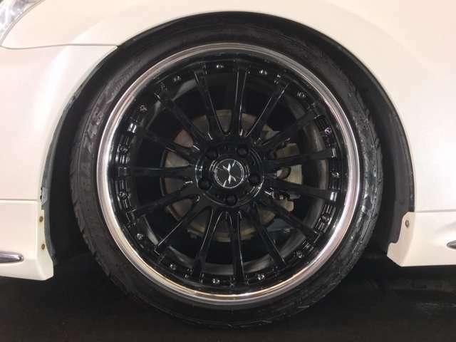マーベリック 815F 20インチ ブラックディスクAW☆ タイヤサイズは、245-35-20☆ 28インチ対応タイヤチェンジャー&ホイルバランサー完備☆ 車検や整備等の心配なアフターもお任せ下さい☆