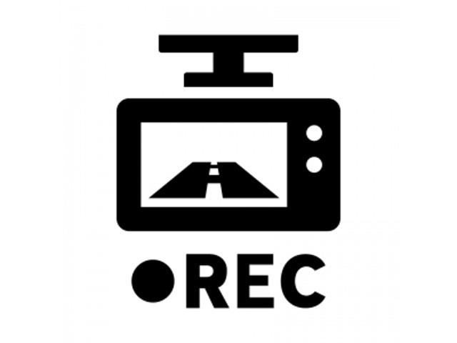 前方だけではなく、後方も録画できるので、あおり運転の対策にもなります(^^♪