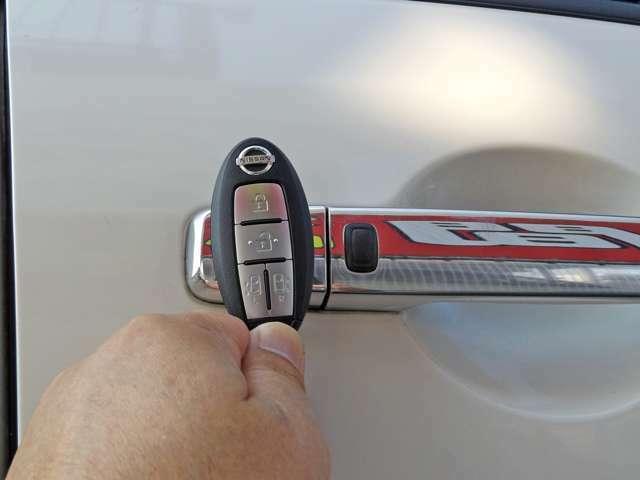 ☆とても便利な携帯するだけでドアの施錠.解除出来るインテリジェントキー!☆運転席やキーレスにもボタン一つで電動スライドドアの開閉が楽にできます!