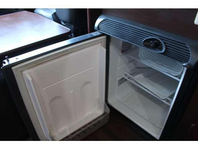 DC冷蔵庫も装備しております!キャンピングカーには欠かせないアイテムです!