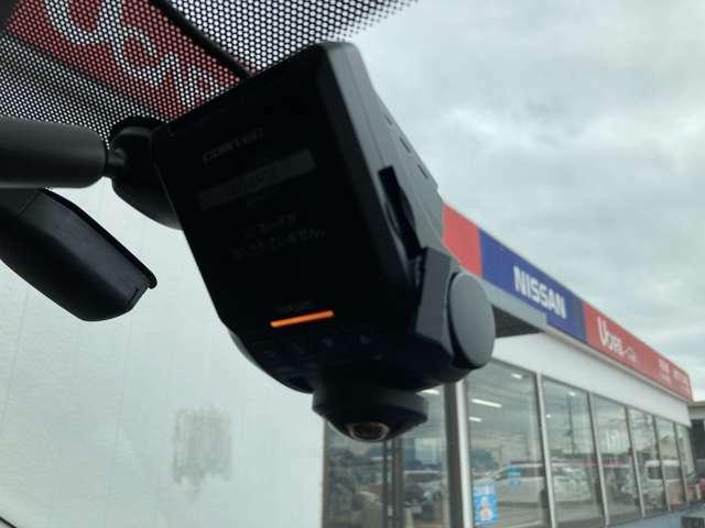 360度カメラのドライブレコーダー付き