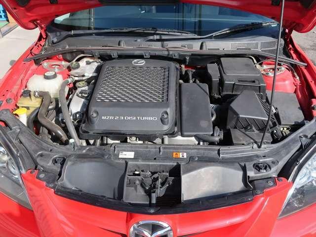 パワフルな直噴ガソリンMZR2.3L DISIターボエンジン搭載 ※タイミングチェーンです