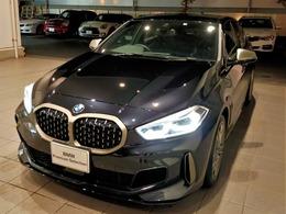 BMW 1シリーズ M135i xドライブ 4WD デビューP ストレージP AMサス 弊社デモ
