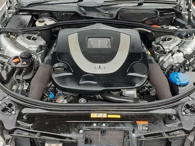 ハイパワーな5500cc-V8エンジン♪タイミングチェーン採用ですので、10万kmを目安としたベルト交換などの費用も掛かりません♪エンジン、ミッション共に良好な状態です♪