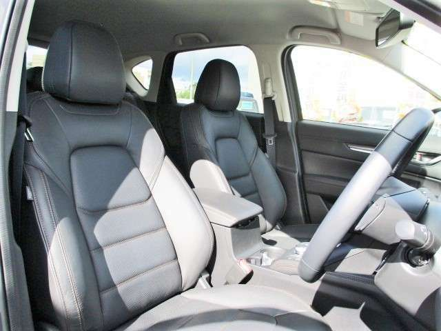 室内空間も広いのでロングドライブでも疲れません!
