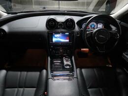 ジャガーのフラッグシップモデル XJのワンオーナー車が入庫しました。