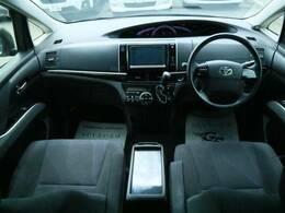 スタイリッシュなインテリアは使い勝手も良好で、見渡しも良く快適なドライブ環境を提供してくれます☆
