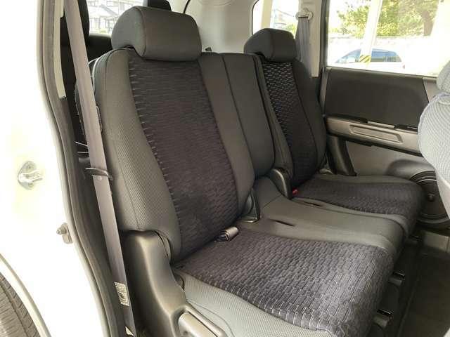 【後部座席】同乗者にも配慮された座り心地の良いシートです☆