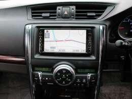 純正HDDナビ付き♪見た目もスッキリです♪ナビがあればお出かけも楽々♪テレビ視聴可能です♪バックカメラ、サイドカメラもついていますので駐車の際も後方確認ができますので安全です♪Bluetooth機能あり♪