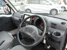 パワステ付きで、女性も楽々運転できます。