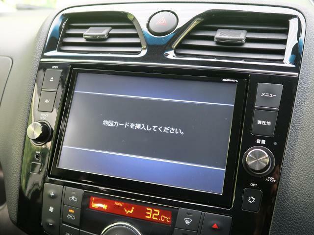 ☆純正ナビ・地デジTV付☆その他にドライブレコーダーやセキュリティー、音響のカスタムパーツも販売中☆お気軽にスタッフまで♪