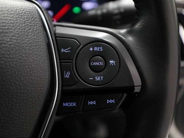 各操作スイッチなどもハンドルから手を放すことなく操作可能で安全運転に支援いたします!