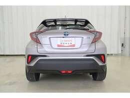 さらにハイブリッド車は『ロングラン保証基本1年』に加えてハイブリッド保証10年〈初度登録年月から起算、走行距離20万キロまで〉が付帯しております。