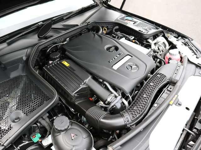 ◆2.0L 直列4気筒DOHCエンジン+ターボ+プラグインハイブリッド ◆エンジン:211ps/35.7kgm モーター:90ps/44.9kgm(カタログ値)