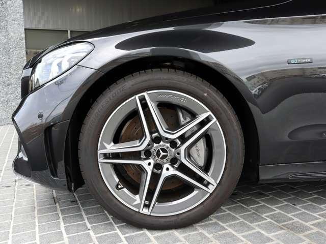 ◆18インチ AMG5ツインスポークアルミホイール ◆Mercedes-Benzロゴ付ブレーキキャリパー&ドリルドベンチレーテッドディスク