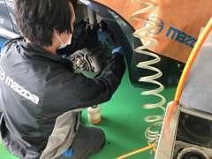 富里インター店では、車検整備も実施しております。販売車両は点検・車検をお客様へ安心と共にお届けさせて頂いております。