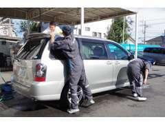 五香六実店の整備士が真心込めて整備します★洗車だけでも受け付けておりますのでお気軽にお声かけください!