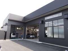 関東運輸局指定サービス工場併設のため、アフターも安心です。