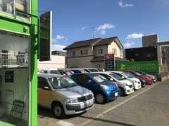 輸入車ショールームです。世界各国の名車が揃っております!