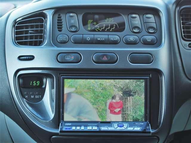 CD搭載ですので好きな音源で楽しくドライブに通勤に使ってください★HDDナビ搭載ですのでミュージックサーバーにお好きな音源を録り貯めていただくことができます!