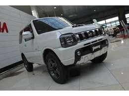 走行39,000キロの内外装、機関共とても良好な人気のパールホワイトです