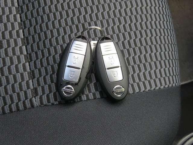 ポケットにいれたままエンジンスタートのスマートキーは2個あります!