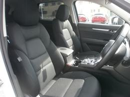 ドライビングポジションへのこだわりも感じていただけると思いますので是非座ってみて下さい!!