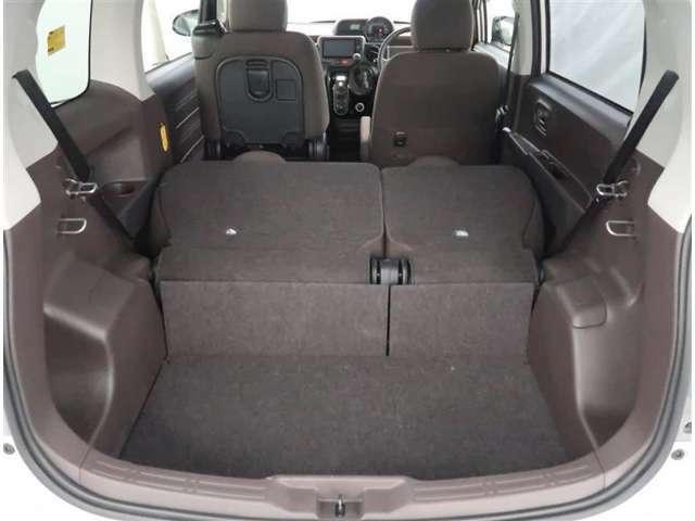 【トランク】リヤシートを倒すと大きなお荷物も積載可能です。