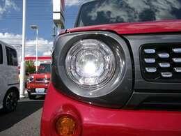 LEDヘッドランプ装備☆明るいライトで夜のドライブも楽しめますね☆